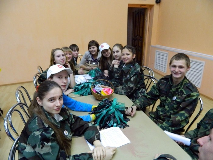 1459779444_sbor-letnix-trudovyx-otryadov-raznyx-let-1