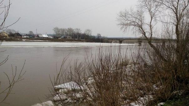 Река начала разливаться