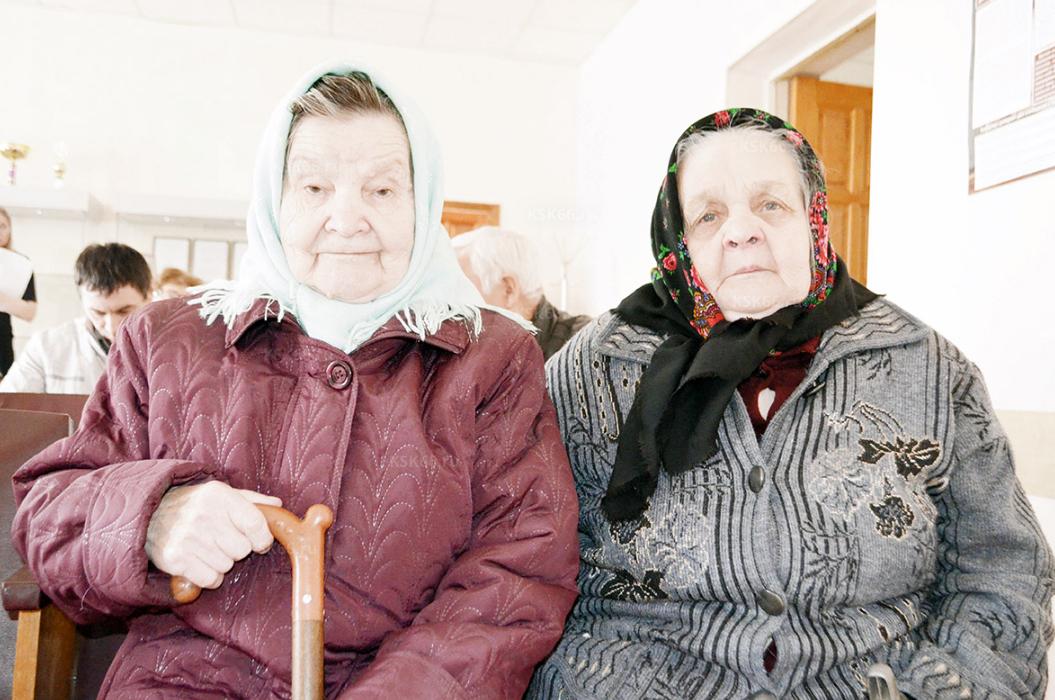 Е.И. Клочкова и А.М. Леванова, будущие новоселы