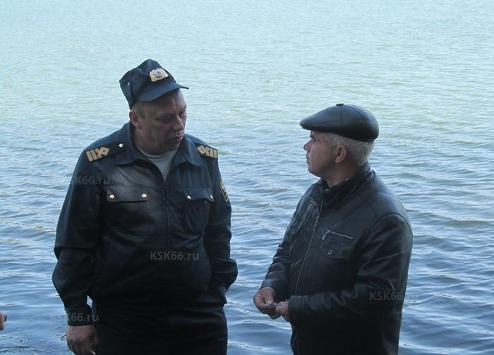 Инспектор рыбоохраны интересуется у директора рыбзавода характеристиками пеляди