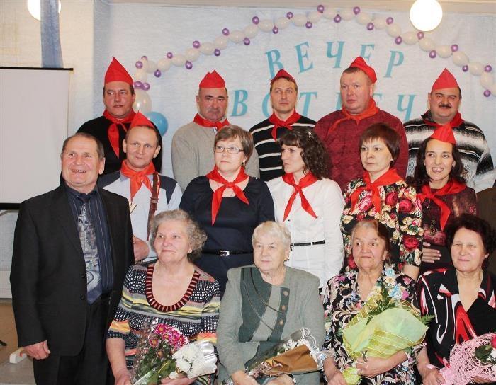 Гим Михайлович с выпускниками прошлых лет и бывшими коллегами